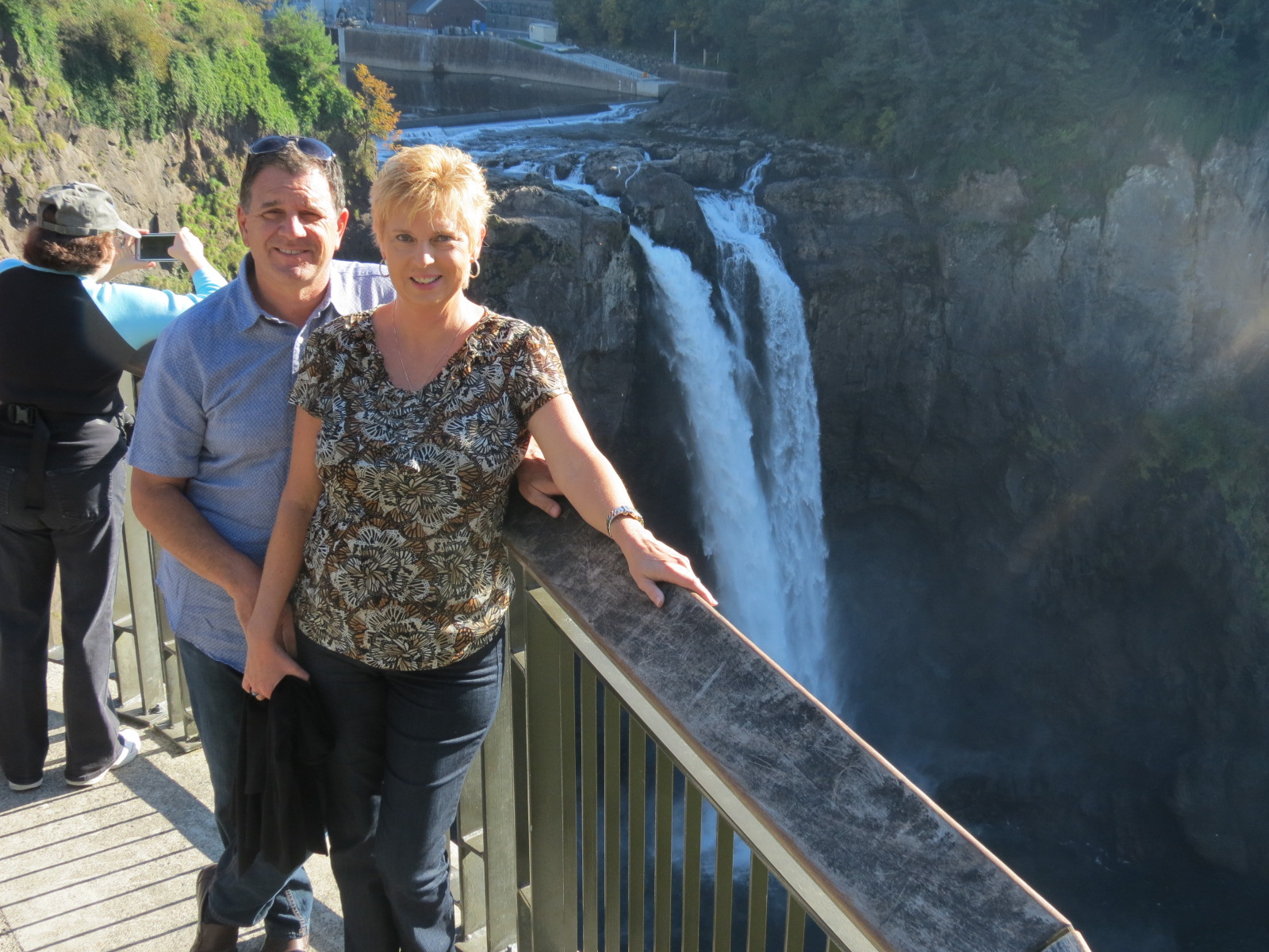 Lee & Carol from the viewing deck at Snoqualmie Falls